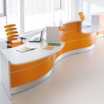 Стол для зоны приёма клиентов