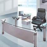Стол для руководителя с прозрачной столешницей